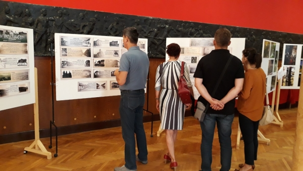 POP-UP GALLERIES IN ZAVIDOVIĆI: EXHIBITION OF ART INSPIRED BY THE CULTURAL HERITAGE